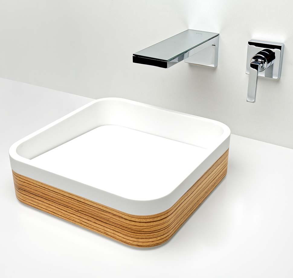 Vasque Square en Corian® Glacier White, plaquage zébrano & fond amovible Corian®